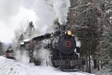 1859_web_around-oregon-december-2015_Baker-County-Tourism-basecampbaker.com_600x400