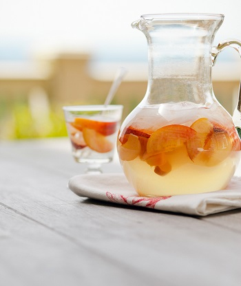 1859_home-grown-chef-summer-sangria_carrie-minns-1