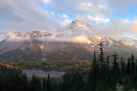 Oregon-Postcard_Kyle-Miller_Mount-Jefferson_Russell-Lake_630x400