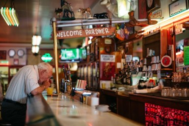 photo:gwen shoemaker Rainbow Cafe. Pendleton's historic restaurant/bar.