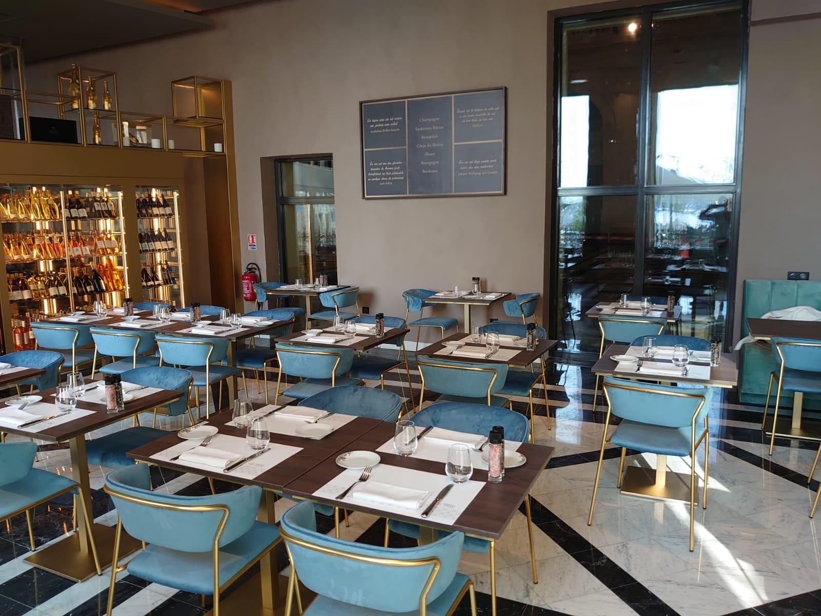 Interieur restaurant 1860 Le Palais Marseille Vieux-Port