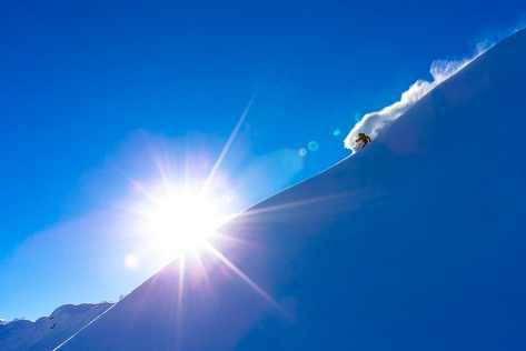 Adam Ü skiing at Mt. Baker
