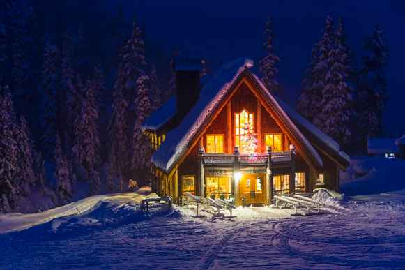 The Raven Hut lodge at Mt. Baker ski area