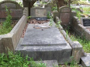 Gilbert Rummery's grave - before photo