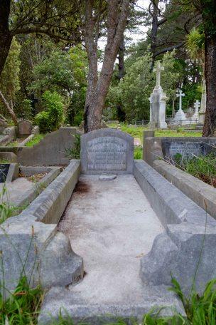 Zillah Cress's grave