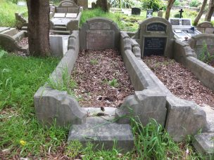 Mary Stewart's grave - before photo
