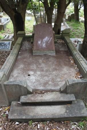 Alice Petersen's grave - after photo