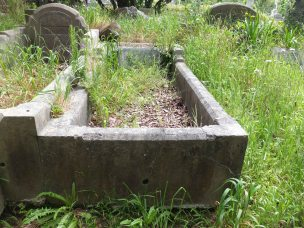 Charles Hills' grave - before photo