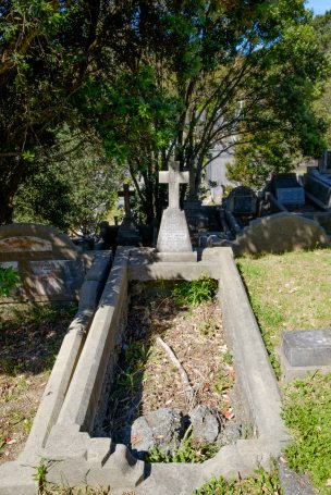 Mary Deany's grave - before photo
