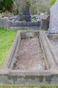 Amy Fleming's grave