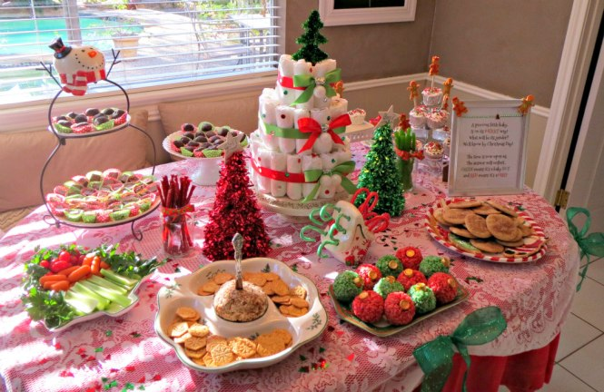 13 Christmas Gender Reveal Table Spread