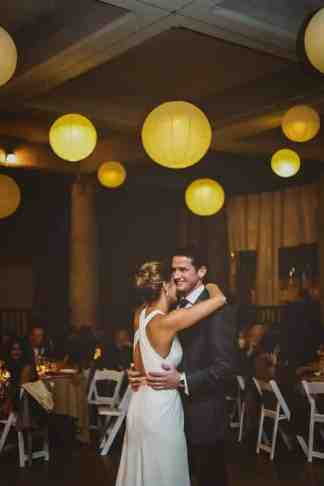 30 Paper Lanterns with Lights (Ivory)