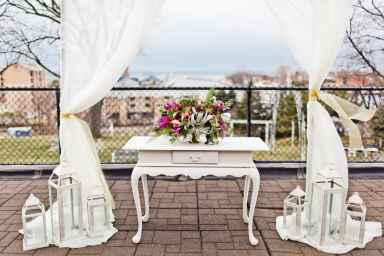 """""""The Lucy"""" White Vintage Table"""