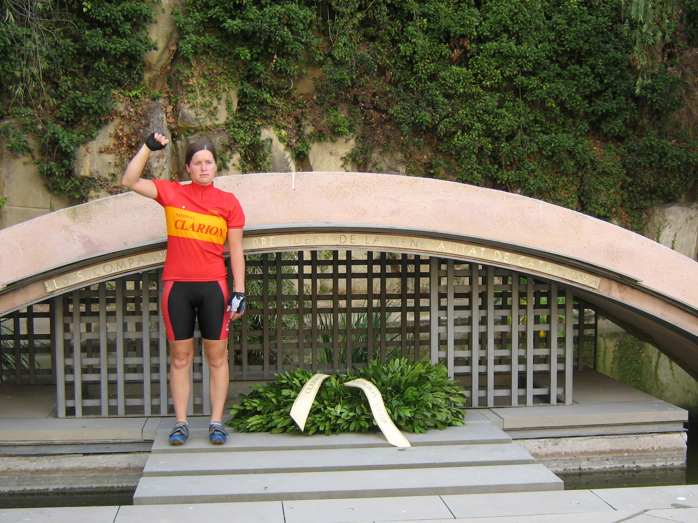 Ruth at the tomb of Lluis Companys