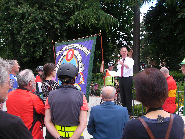 Alan Lloyd addressing the rabble