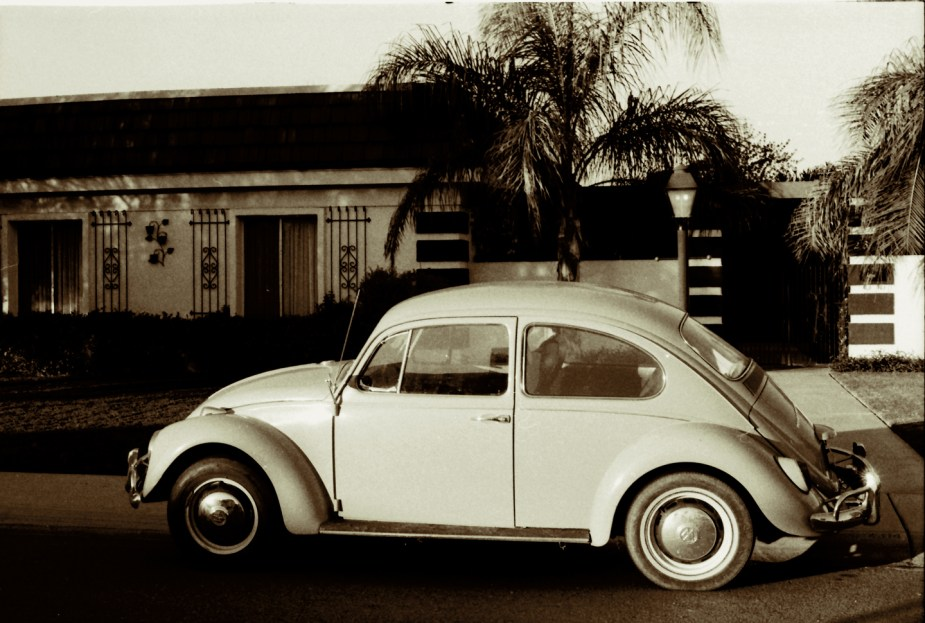 New '67 VW-Mom's House, Phoenix, Nov '76
