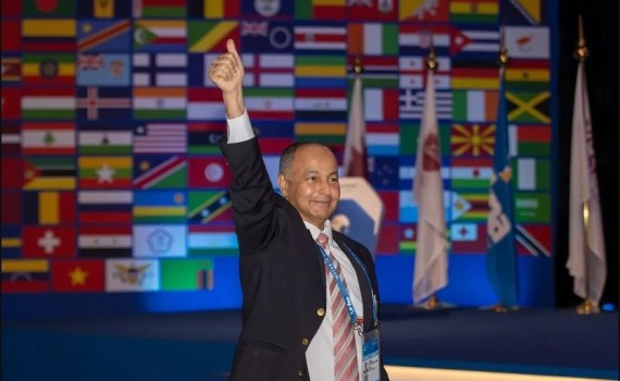 Husain Al Musallam elegido nuevo presidente de la FINA