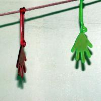 1980年代、ガチャガチャ「伸びるゴムの手」「ビヨヨーン ハンド」