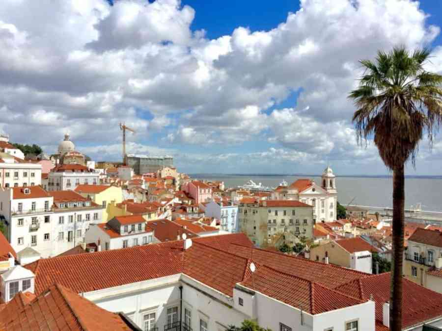 Lisbon in a day - Alfama disctrict seen from above