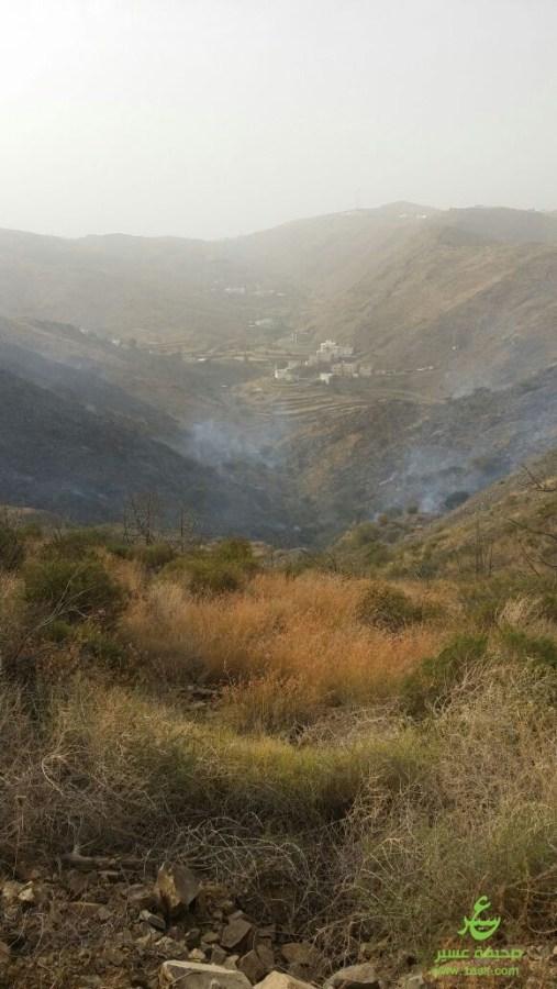 IMG 20170713 WA0156 - حريق يلتهم 3مدرجات زراعية بإحدى قرى باللحمر شمال أبها