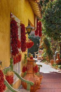 Яркий мексиканский дворик