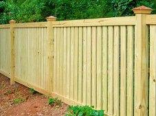 Деревянный забор из досок