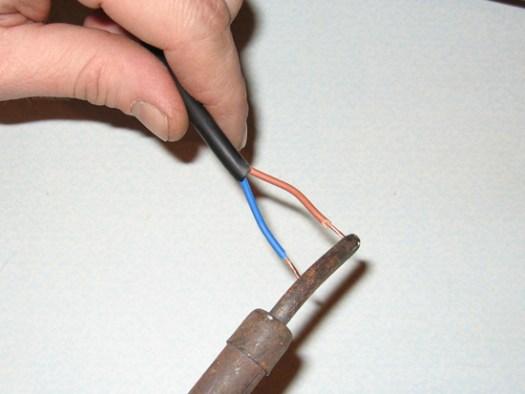 Залуживание концов провода