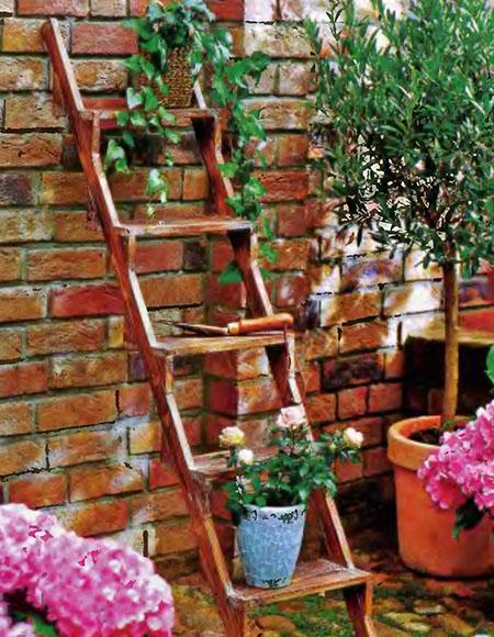 Виды лестниц на второй этаж или мансарду в доме 4