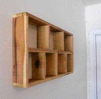 Открытые полочки на стену из поддонов