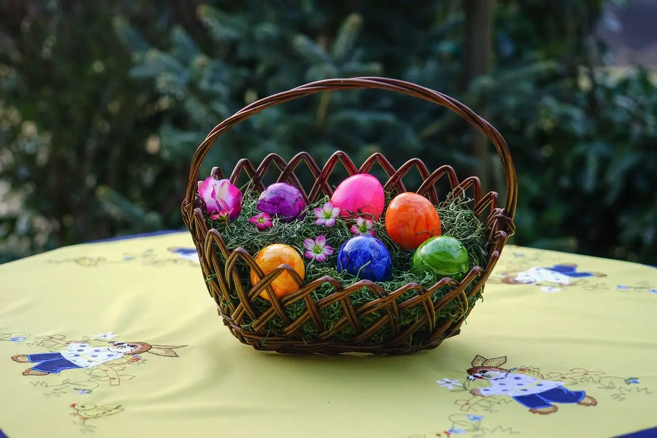 101 small easter gifts that arent candy hello lovely 101 small easter gifts that arent candy negle Image collections