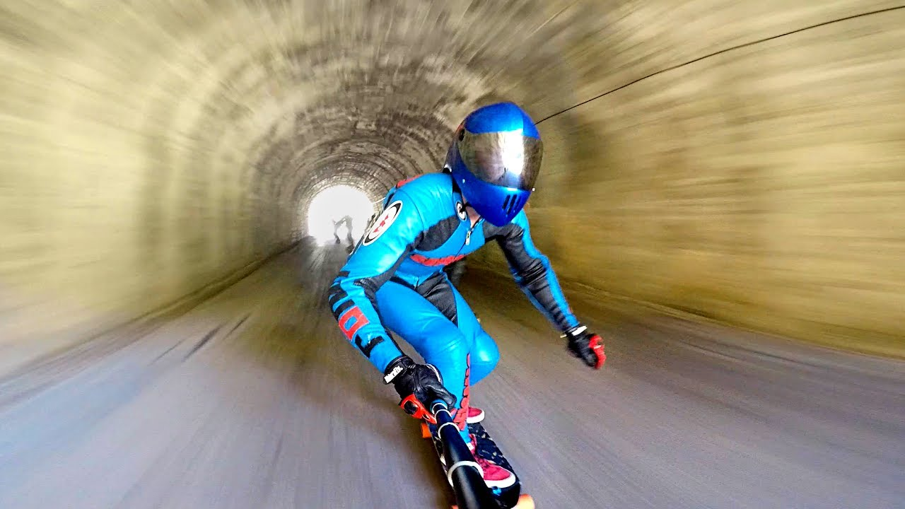 Extreme Downhill Skateboarding  1Funnycom