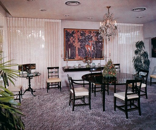 The dining room of the Reagan house.