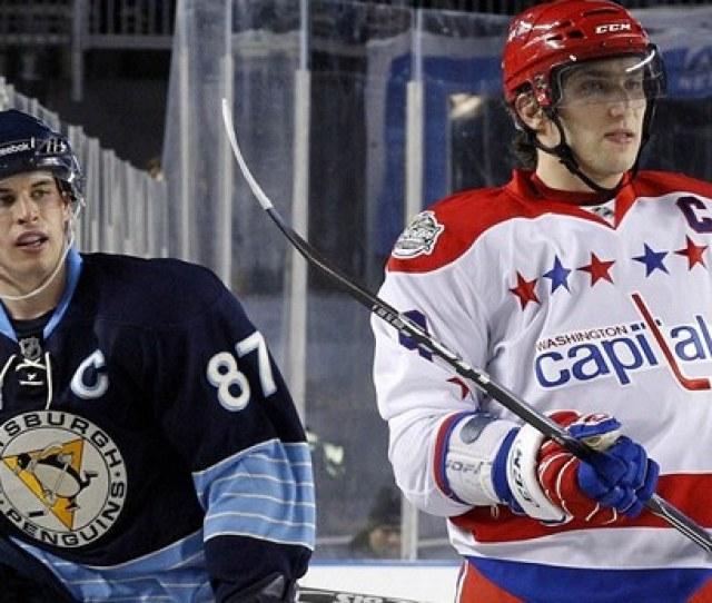 Dve Nejvetsi Hvezdy Serie Pittsburgh Washington Domaci Kapitan Sidney Crosby Vlevo A