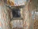 Opravená spodní vyzdívka v historické kanalizaci pod Josefovem.