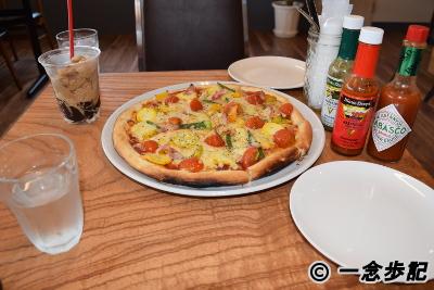 琥珀の刻の夏野菜ピザ