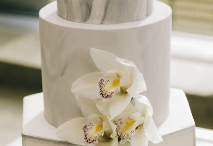 Modern White Wedding With Clear Decor Elegantweddingca