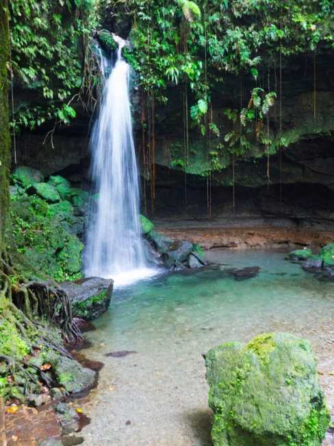 dominique, emerald pool