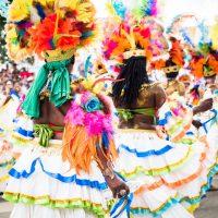 entre plumes et portraits de Carnaval