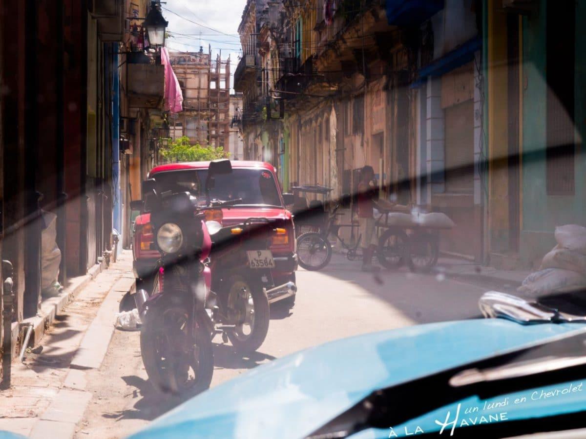 317km à bord d'une Chevrolet bleue à Cuba