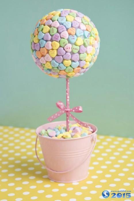sladkiy_topiariy_22_06173123 Топиарий из конфет. Сладкий топиарий: дерево, яблоко, букет и часы из конфет
