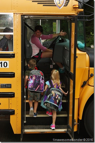 twins 1st day bus 1st grade