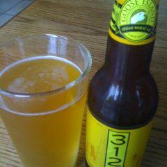 4. Goose Island – 312 Urban Wheat Ale