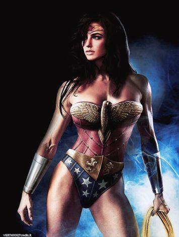 cung-xem-cosplay-wonder-woman-nong-bong-den-nghet-tho 8