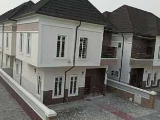 4 bedroom duplex for sale at creek court
