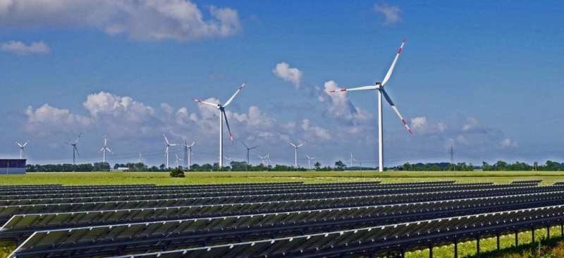 A Quick Comparison: Differences Between Solar And Wind Energy