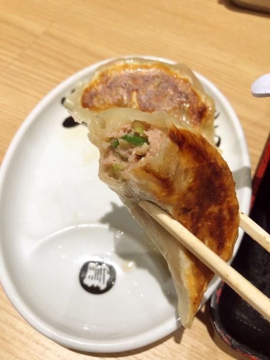 松戸富田麺業の心の味餃子断面