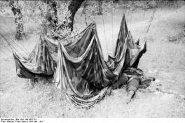 νεκρός αλεξιπτωτιστής