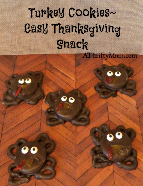 turkey cookies, easy thanksgiving snack, #turkey, #turkeytreats, #thanksgivingtreats, #easytreats, #cookies, #pretzels, #thanksgiving