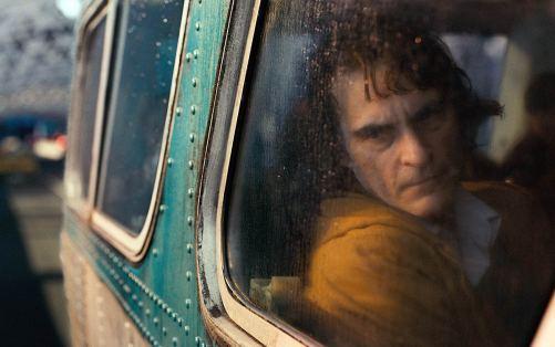 Handicap et suicide - Joaquin Phoenix dans Joker (2019)
