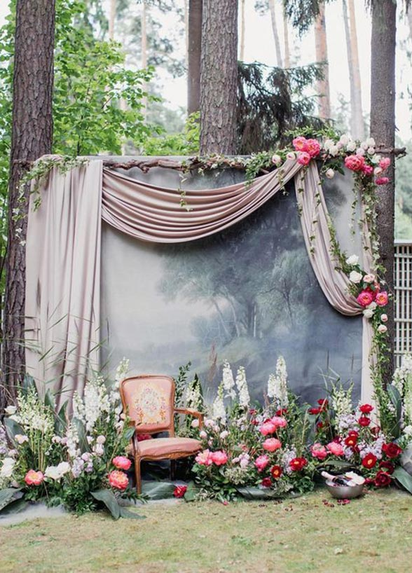 9 Wedding Photo Backdrops That Will Blow Up Your Insta Feed